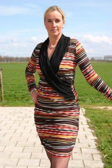 It's Afits 1033 patroon tricot overslagjurk