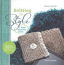 Knitting in style Home-decoraties breien. Uit de serie Handmade Divas.  ISBN 9789043915533