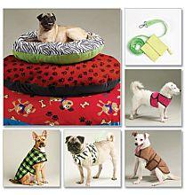 McCalls 6455 Hondenjasjes, hondenvestjes, hondenriem, tasje, en grote ligkussens